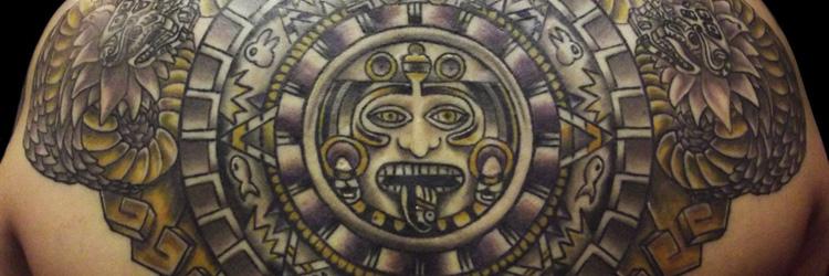 Azteken und Maya Tattoos
