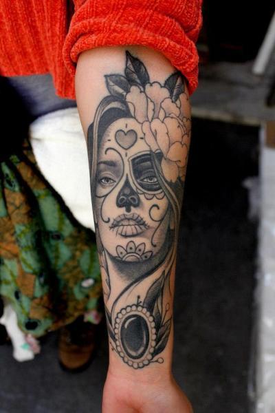 arm mexikanischer totenkopf tattoo von extreme needle. Black Bedroom Furniture Sets. Home Design Ideas