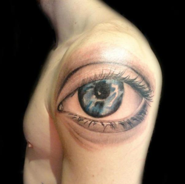 shoulder realistic eye tattoo by burning monk tattoo. Black Bedroom Furniture Sets. Home Design Ideas