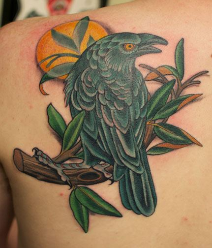 Tatouage paule r aliste oiseau fleur par art junkies tattoos pictures to pin on pinterest - Tatouage oiseau epaule ...