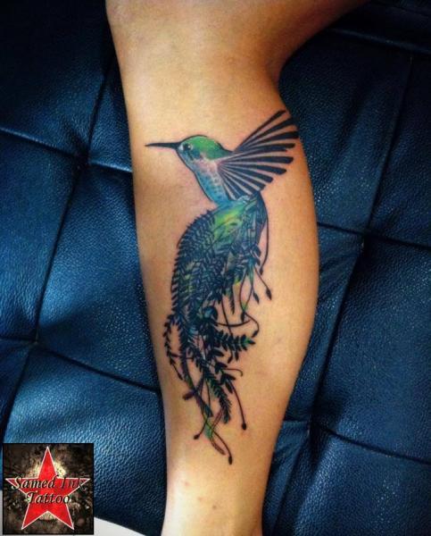 realistische waden vogel tattoo von samed ink tattoos. Black Bedroom Furniture Sets. Home Design Ideas