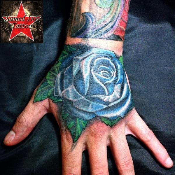 tatouage new school main rose par samed ink tattoos. Black Bedroom Furniture Sets. Home Design Ideas