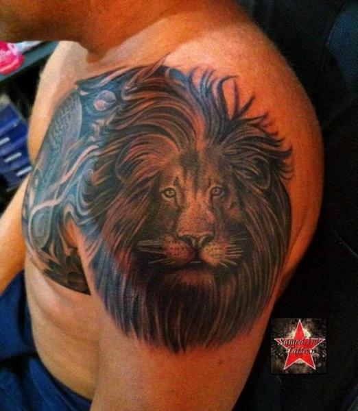 Shoulder Realistic Lion Tattoo by Samed Ink Tattoos