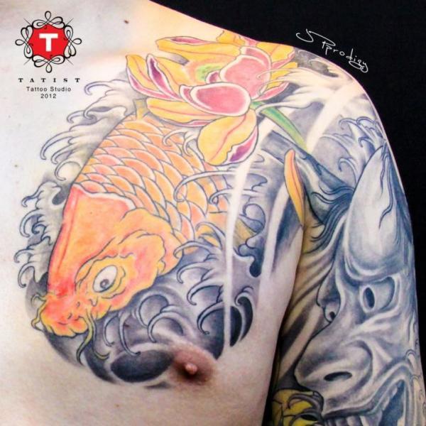 tatouage paule japonais carpe carpe ko par tatist tattoo. Black Bedroom Furniture Sets. Home Design Ideas