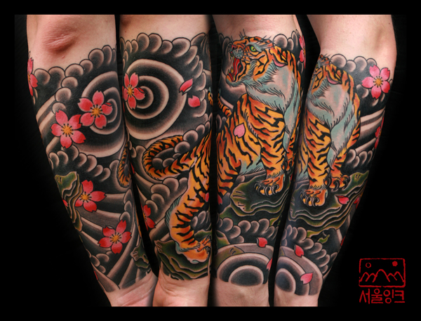 tatouage bras japonais tigre par seoul ink tattoo. Black Bedroom Furniture Sets. Home Design Ideas