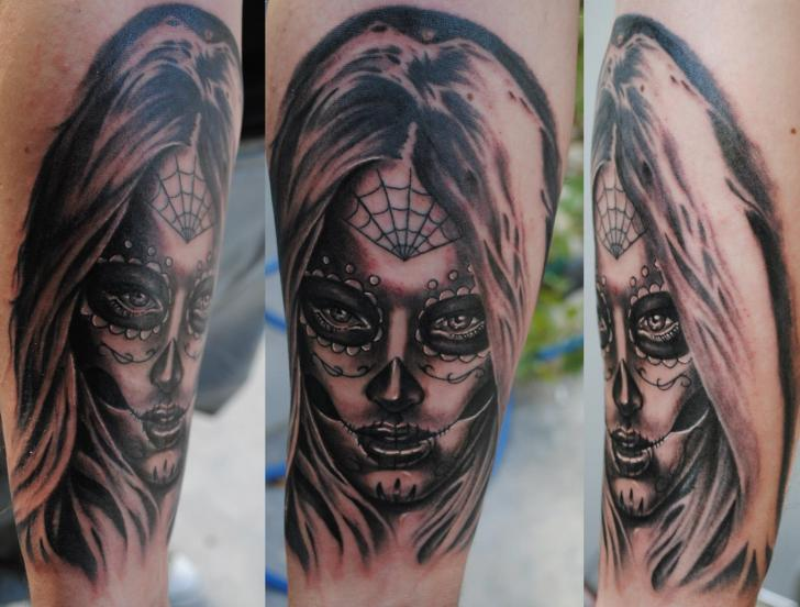 arm mexikanischer totenkopf tattoo von medusa tattoo. Black Bedroom Furniture Sets. Home Design Ideas