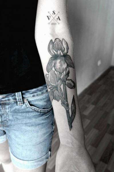 Arm Flower Dotwork Tattoo by Master Tattoo