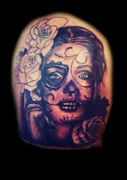 Tatouage cr ne mexicain par planeta tattoo - Tattoo crane mexicain ...