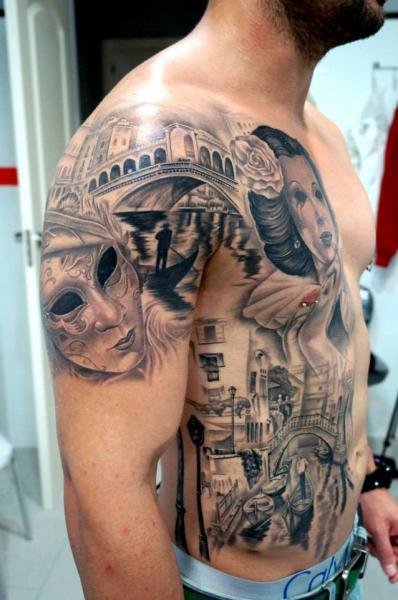 Schulter Realistische Seite Masken Venedig Tattoo Von