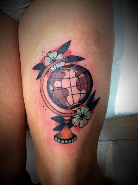 old school thigh world tattoo by la dolores tattoo