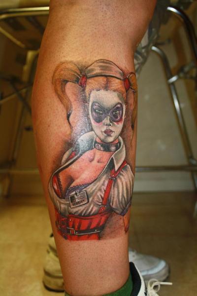 Tatua fantasy ydka piel gniarka przez silver needle tattoo for Pin up tattoo ideas