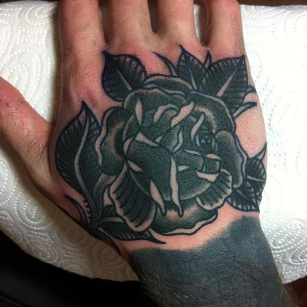 tatouage fleur main par seven devils. Black Bedroom Furniture Sets. Home Design Ideas