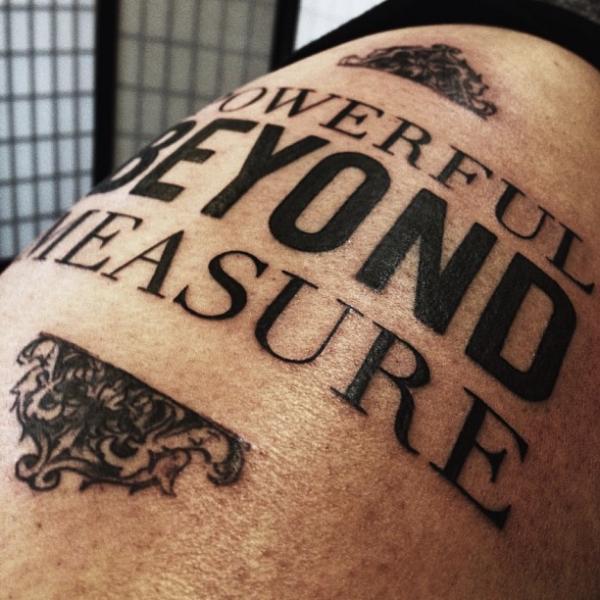 รอยสัก ตัวอักษร โดย allen tattoo