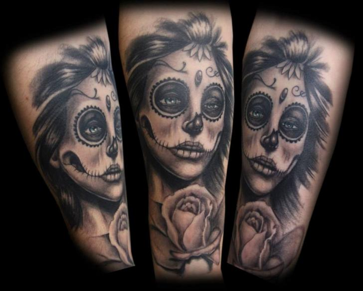 Tatouage bras cr ne mexicain par tattoo chaman - Tattoo crane mexicain ...