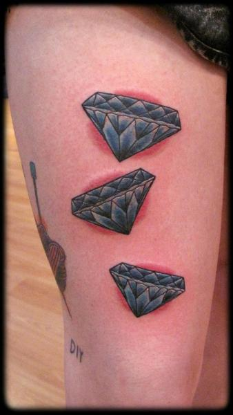 old school oberschenkel diamant tattoo von zoi tattoo. Black Bedroom Furniture Sets. Home Design Ideas