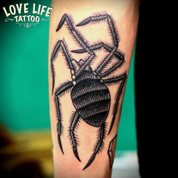 arm spinnen tattoo von love life tattoo. Black Bedroom Furniture Sets. Home Design Ideas