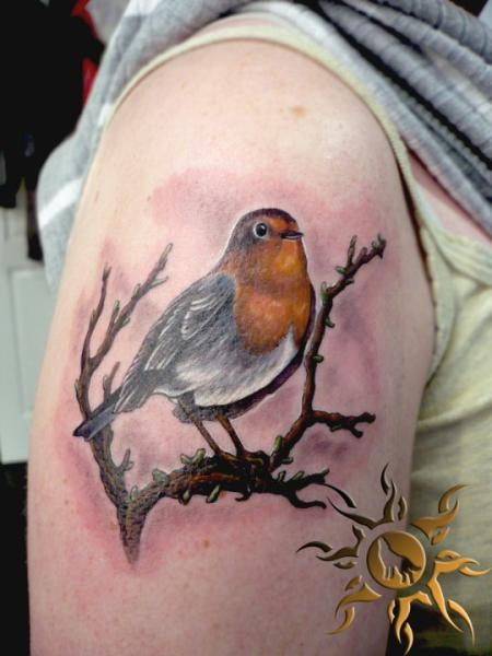 Shoulder realistic bird tattoo by ramas tattoo for Realistic bird tattoo