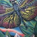 Schulter Realistische Blumen Libelle tattoo von Tattoo by Roman