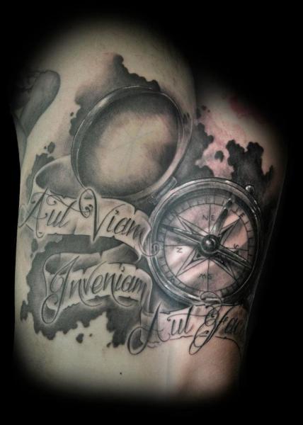 arm realistische leuchtturm kompass tattoo von triple six. Black Bedroom Furniture Sets. Home Design Ideas