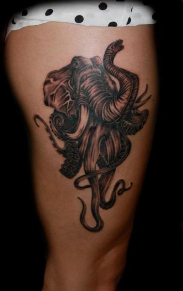 fantasie elefant oktopus oberschenkel tattoo von fatink tattoo. Black Bedroom Furniture Sets. Home Design Ideas