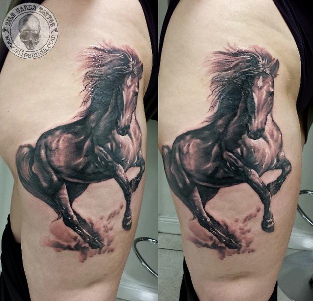 realistische pferd tattoo von sile sanda