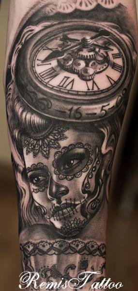 Arm Uhr Mexikanischer Totenkopf Tattoo Von Remis Tatooo