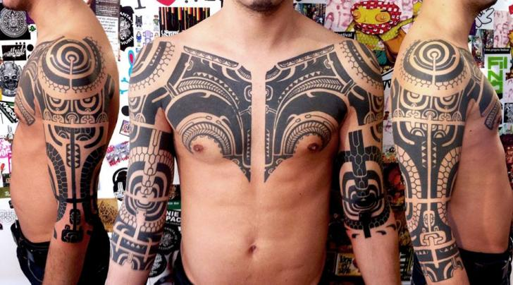schulter arm brust tribal maori tattoo von delaine neo gilma. Black Bedroom Furniture Sets. Home Design Ideas