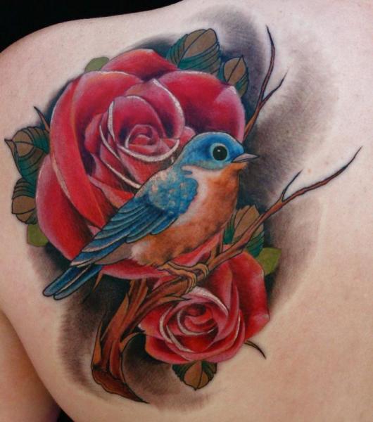 tatuaje hombro realista flor p jaro por art junkies tattoos. Black Bedroom Furniture Sets. Home Design Ideas