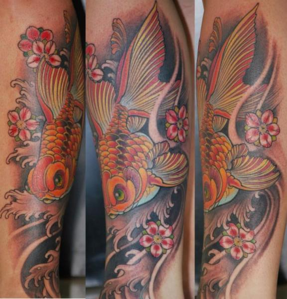 tatouage bras japonais poisson par silvercrane tattoo. Black Bedroom Furniture Sets. Home Design Ideas