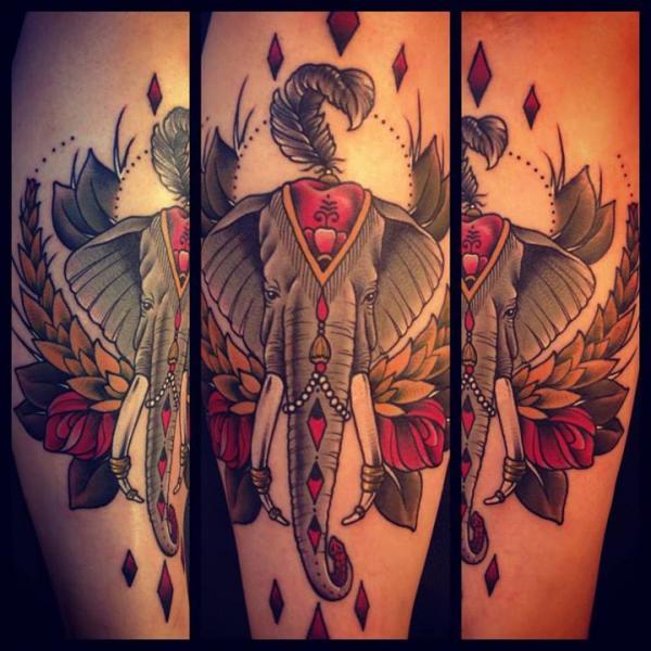 arm old school elefant tattoo von sarah b bolen. Black Bedroom Furniture Sets. Home Design Ideas