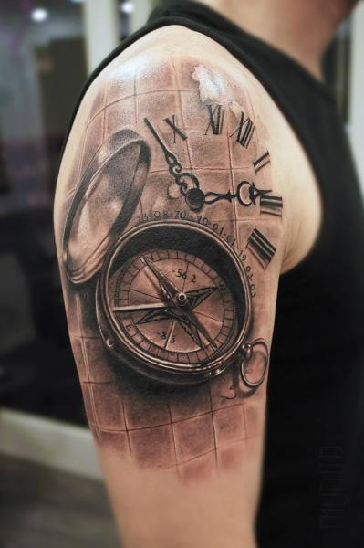 shoulder realistic compass tattoo by mumia tattoo. Black Bedroom Furniture Sets. Home Design Ideas