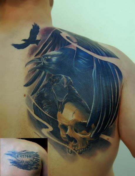 Shoulder Skull Crow Tattoo by Peter Tattooer