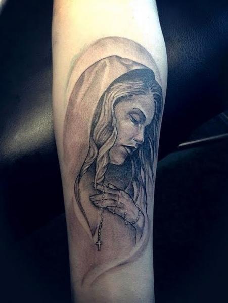 รอยสัก แขน ศาสนา โดย løkka tattoo