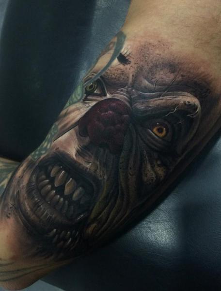 Tatouage Bras Fantaisie Clown IT par Fredy Tattoo