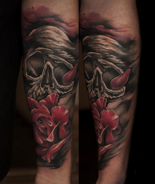 arm blumen totenkopf rose tattoo von pawel skarbowski. Black Bedroom Furniture Sets. Home Design Ideas