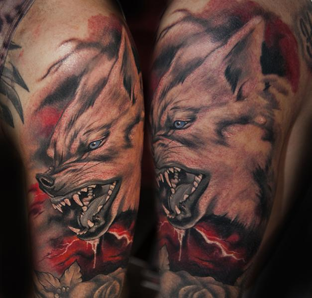 Shoulder Realistic Wolf Tattoo by Pawel Skarbowski