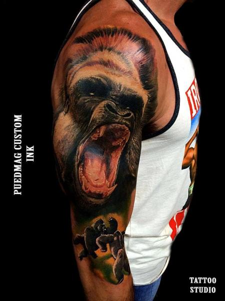 Schulter realistische gorilla tattoo von puedmag custom for Custom ink tattoos