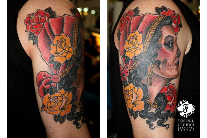pin tattoos tattoovorlagen unterarm namen tattoo bilder. Black Bedroom Furniture Sets. Home Design Ideas