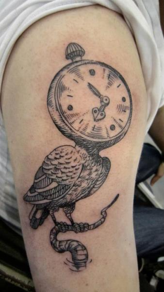 Arm uhr vogel tattoo von ottorino d 39 ambra for Bussola tattoo significato