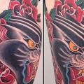 New School Panther Oberschenkel tattoo von Sacred Tattoo Studio
