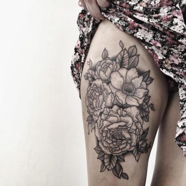 Flower Dotwork Tattoo by Zmierzloki tattoo
