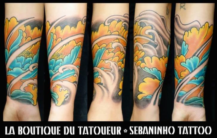 Arm Flower Japanese Wave Tattoo by Sebaninho Tattoo