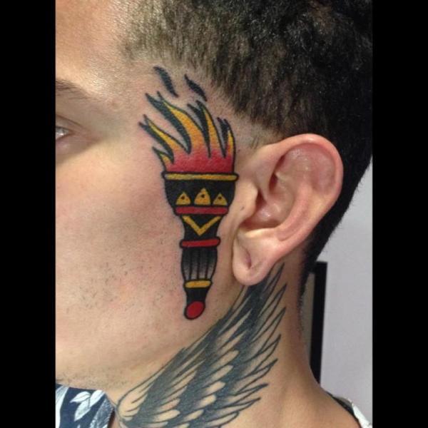 Old School Gesichts Flammen Tattoo von Fontecha Iron