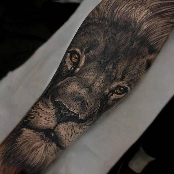 tatouage bras r aliste lion par pxa body art. Black Bedroom Furniture Sets. Home Design Ideas