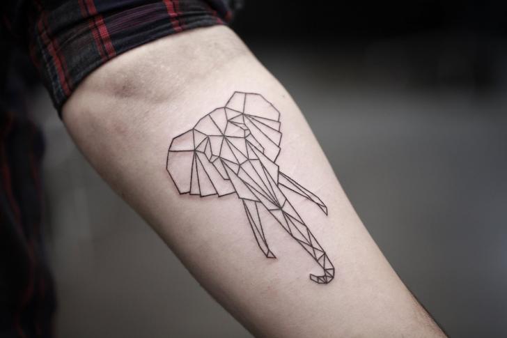 arm elefant geometrisch tattoo von bang bang. Black Bedroom Furniture Sets. Home Design Ideas