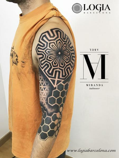 Shoulder Arm Geometric Tattoo By Logia Barcelona