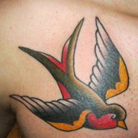 tatuaje de golondrina de la vieja escuela