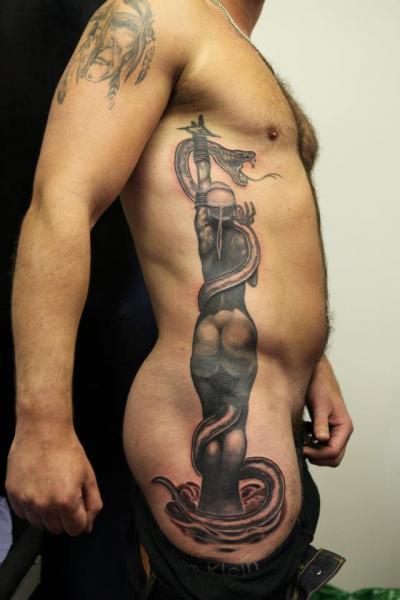 Tatuaje Fantasy Serpiente Lado Mujer por Diamond Jacks