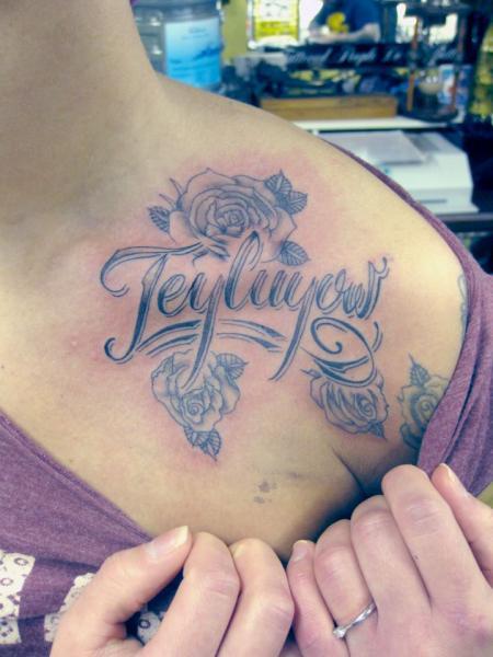 Schulter Blumen Leuchtturm Tattoo von Dna Tattoo