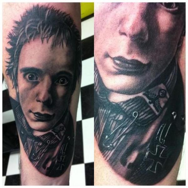 Arm Porträt Realistische Tattoo von Dragstrip Tattoos